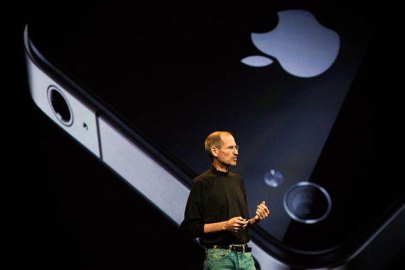 乔布斯在苹果4的发布会上